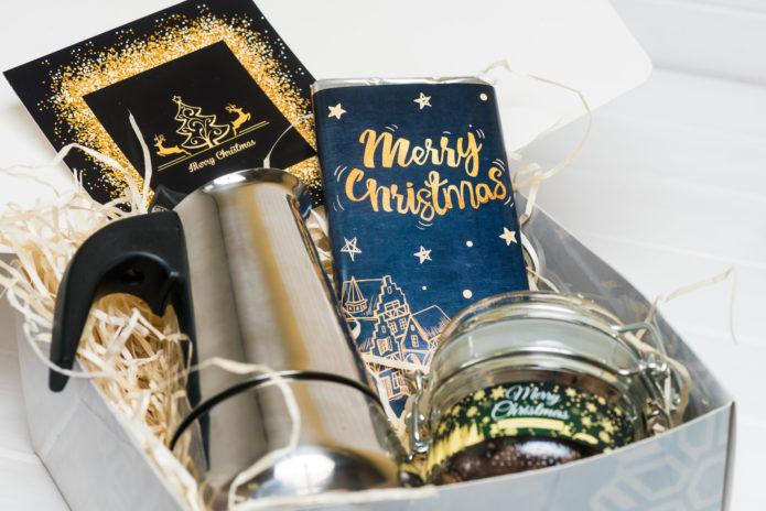 Гейзерная кофеварка в подарок