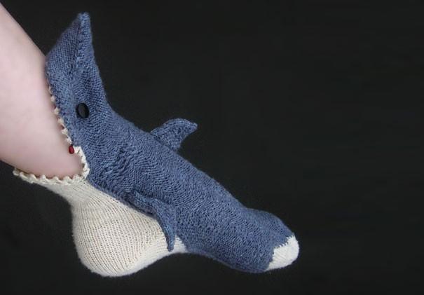 Носки-акулы