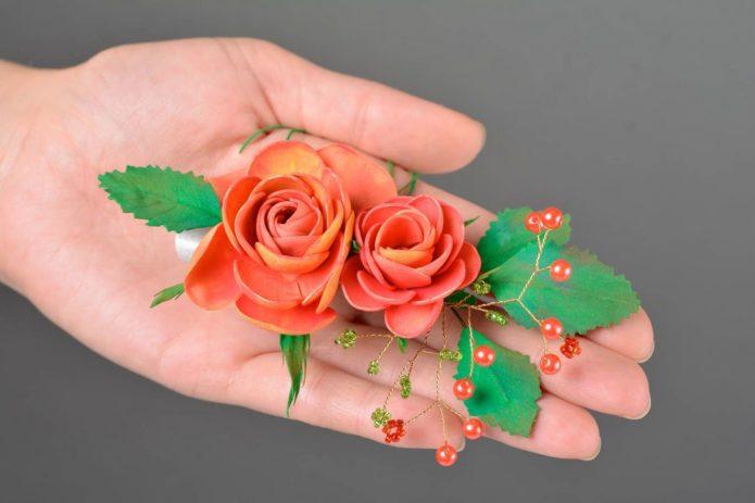 Заколка с цветами