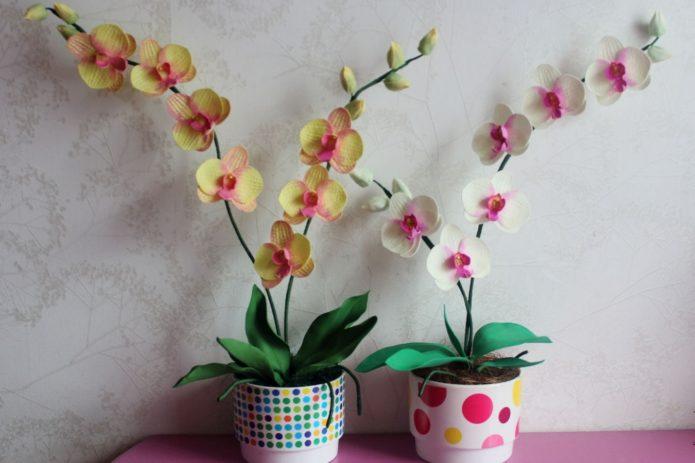 Цветы из фоамирана в горшках