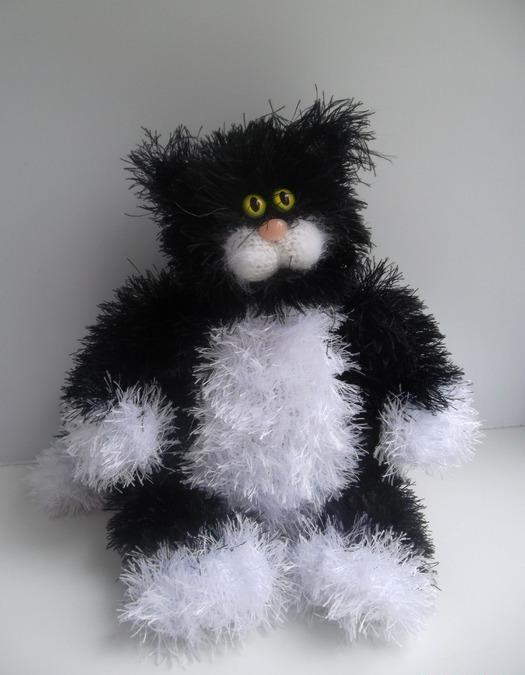 Игрушка «кот» из травки