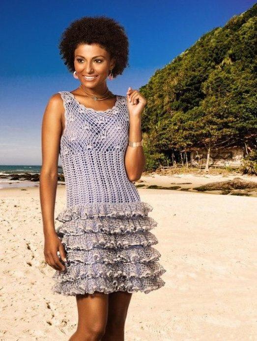 Платье с рюшами из ленточной пряжи