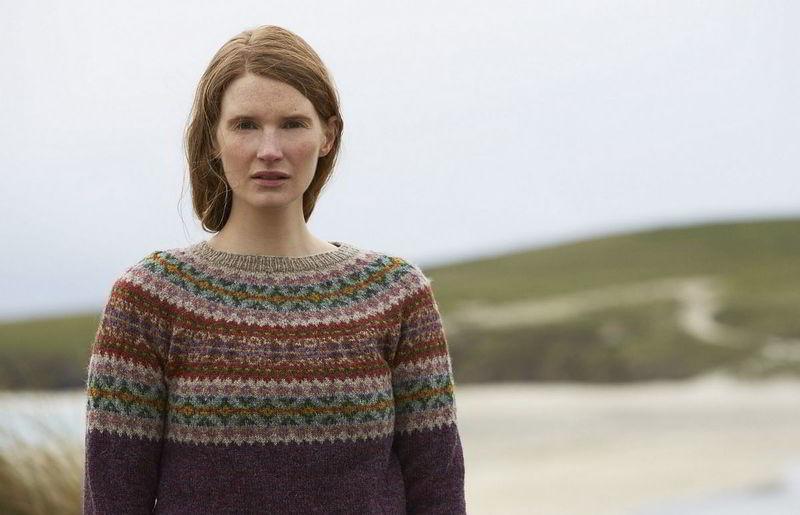 Вязание спицами красивых жаккардовых свитеров, 20 фото со схемами