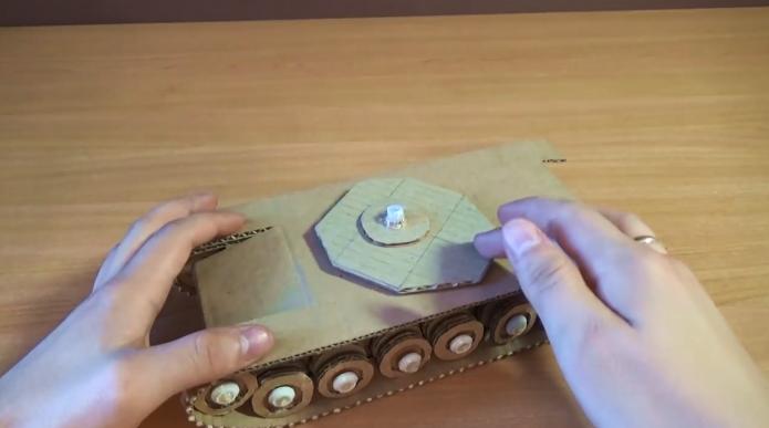 Крепление элементов для танка своими руками