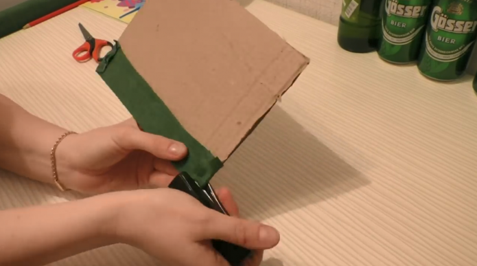 Картон, степлер, цветная бумага