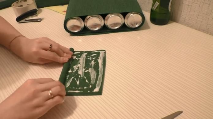 Создание валика из зелёного картона