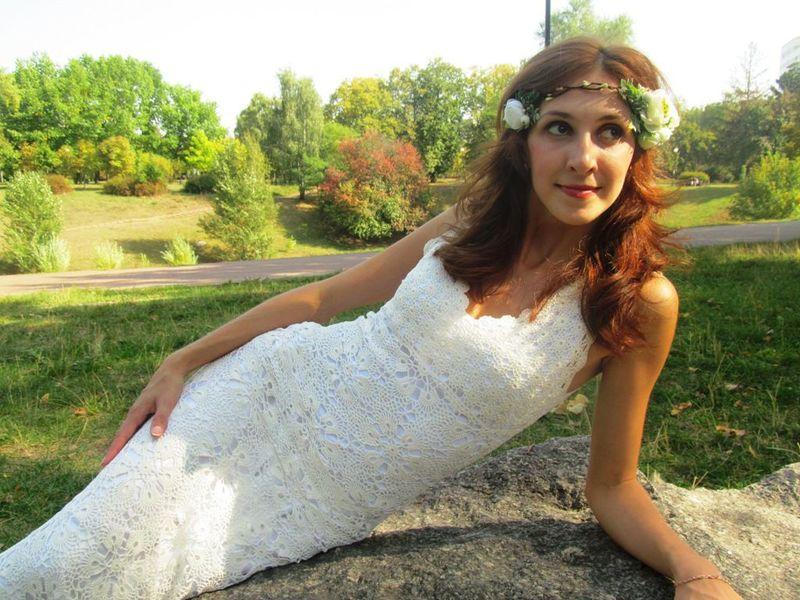Красивые платья, связанные из мотивов крючком: подборка идей