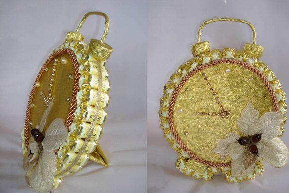 Часы из конфет