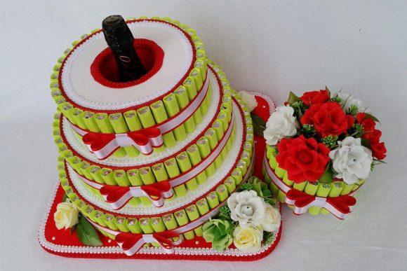 Торт из конфет с вином внутри