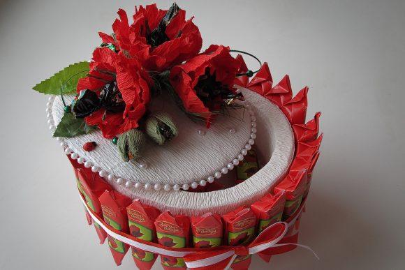 Торт-шкатулка из конфет