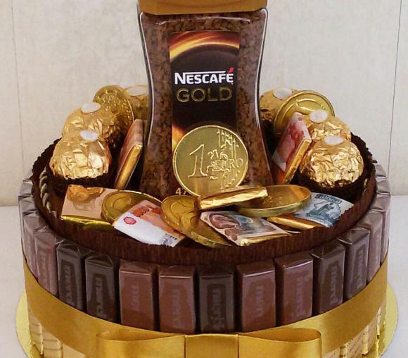 Торт из конфет с кофе