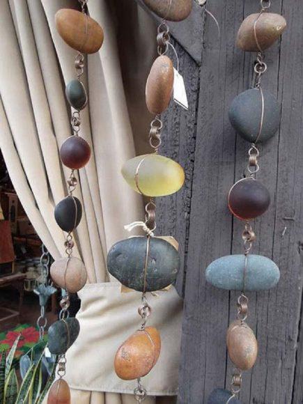 Декоративные бусы для интерьера из гальки и проволоки