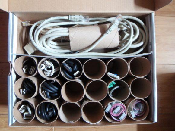 Ячейки для хранения проводов из втулок и коробки