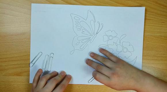 Шаблон бабочки с цветами