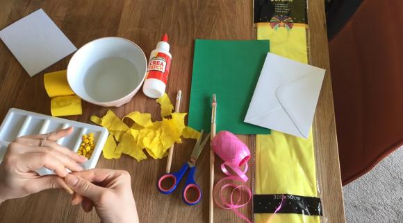 Изготовление шариков из цветной бумаги