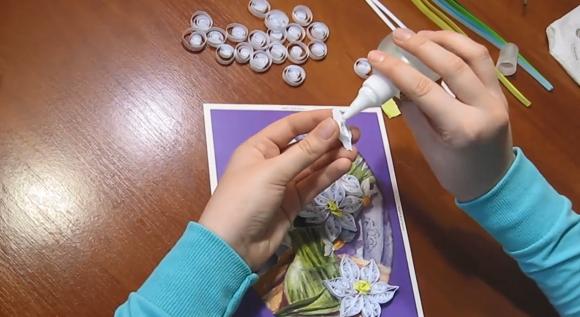 Сборка цветков в технике квиллинг