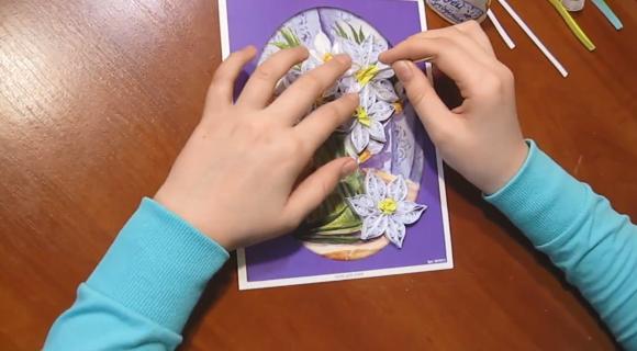 Сборка открытки в технике квиллинг