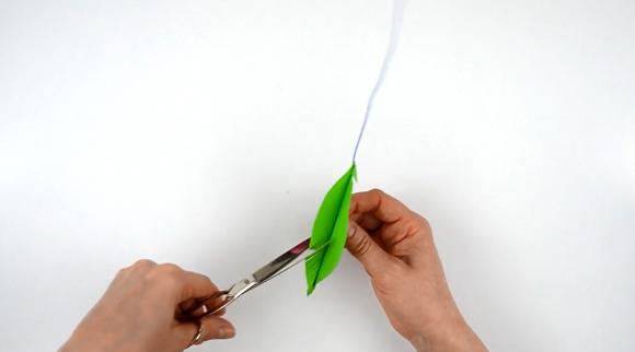 Оформление бахромы по краю листа