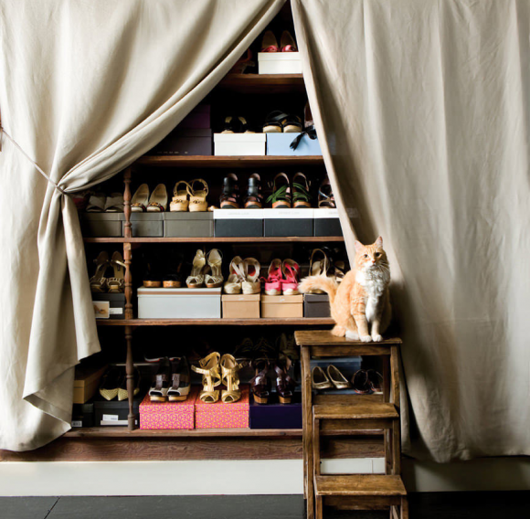 Обувной шкаф со шторкой