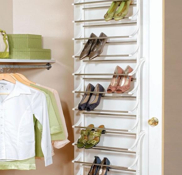 Приспособление для хранения обуви на двери