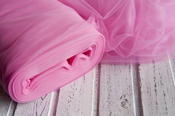 Розовый фатин