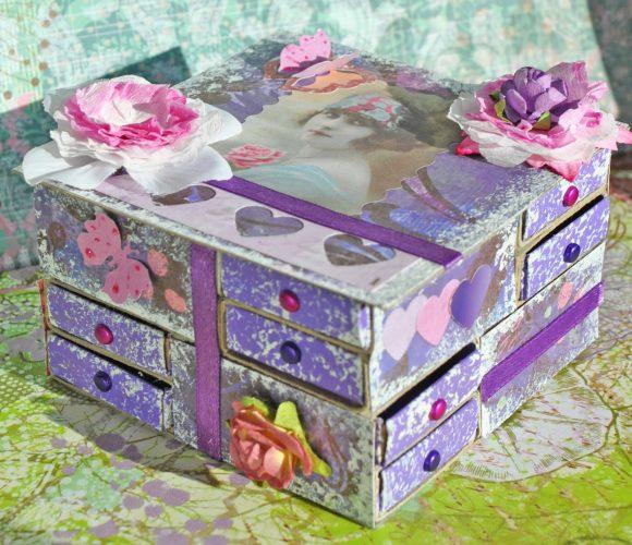 Поделка из спичечных коробков