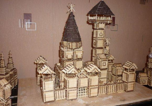 Городок, построенный из спичек
