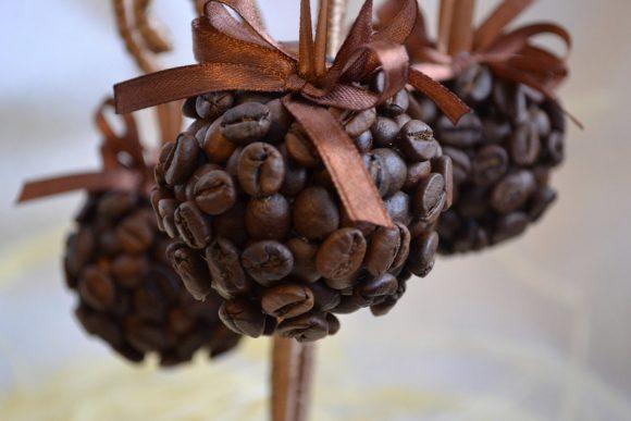 Декоративные шары из кофе