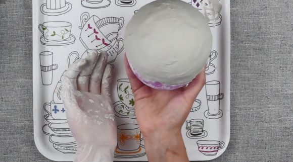Надувной шарик в гипсе