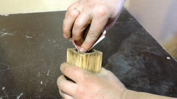 Удаление нагара наждачной бумагой