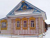 Дом с резным декором