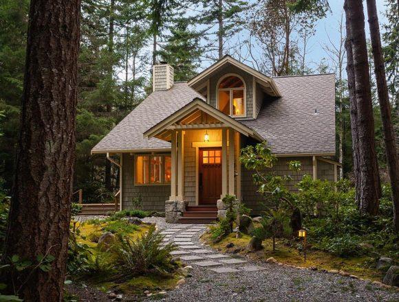 Дачный домик в лесу