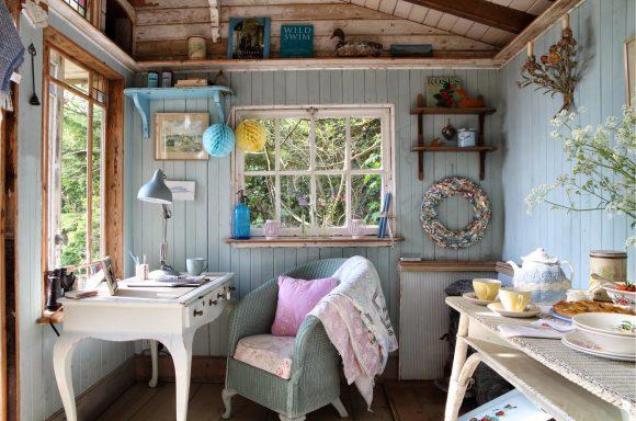 Рабочее место а дачном домике в стиле прованс