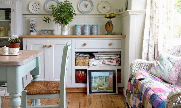 Кухня дачного домика в стиле прованс