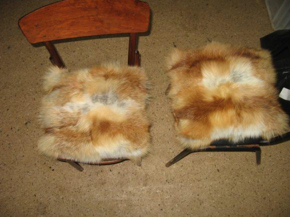 Чехлы на стулья из шубы