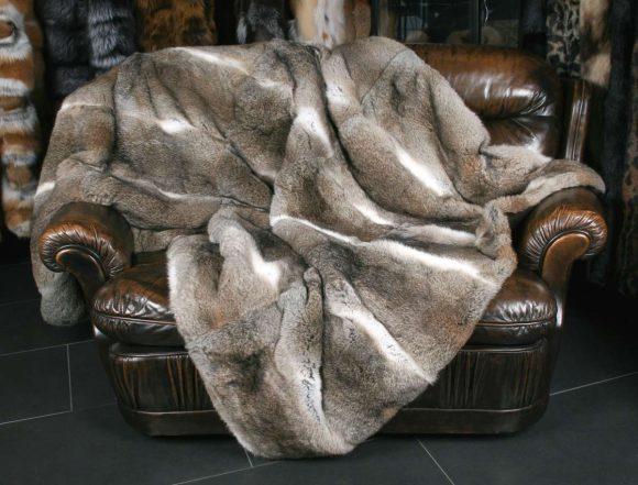 Большое меховое одеяло