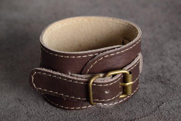 Кожаный браслет