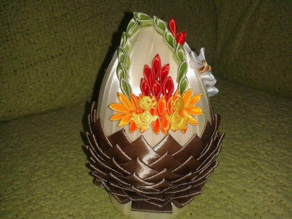 Пасхальное яйцо своими руками в технике канзаши