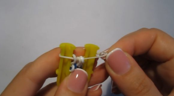 Завершение плетения браслета «Паучок»