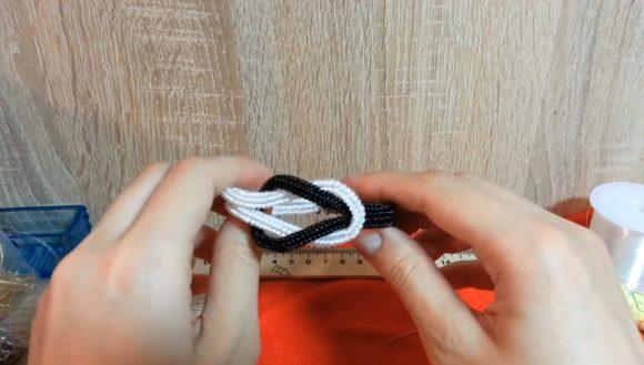 Плетение браслета в технике ндебеле