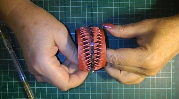 Готовый кожаный браслет