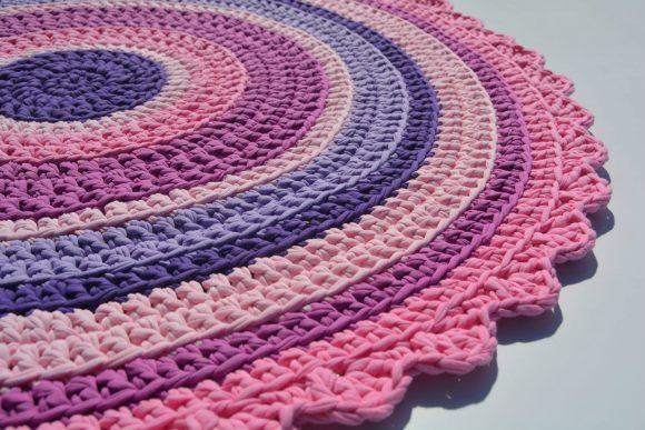 Вязаный круглый коврик