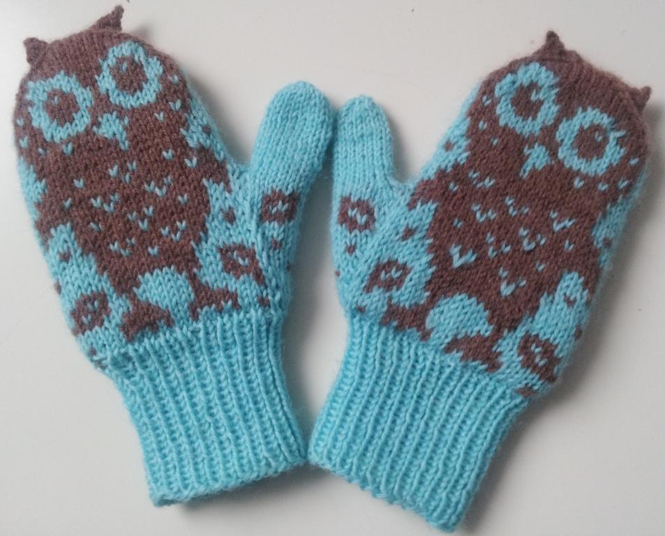 совы на вязаных изделиях идеи для варежек свитеров сумок и шапок