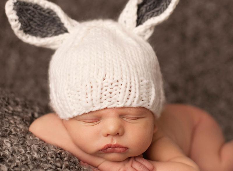 Шапочки для новорождённых: море трогательной нежности на фото
