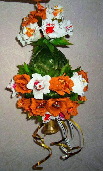 Букет из бумажных цветов на последний звонок для учителя