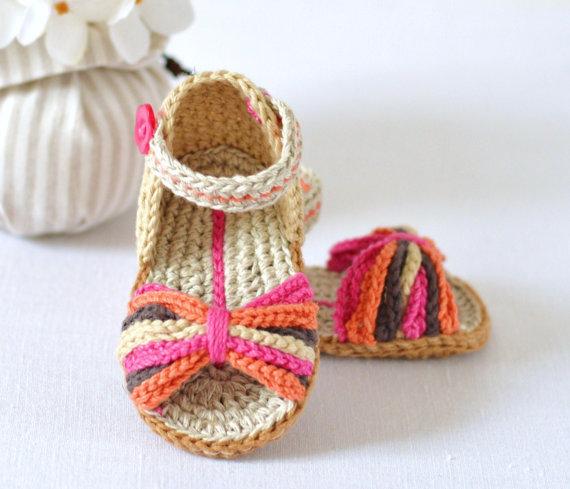Нарядные тапочки-сандалии с переплетениями