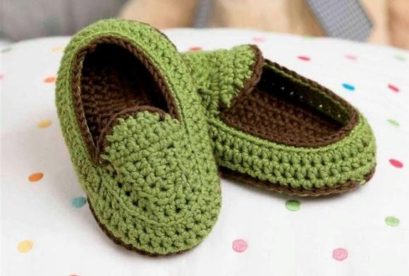 Зелёные детские тапочки