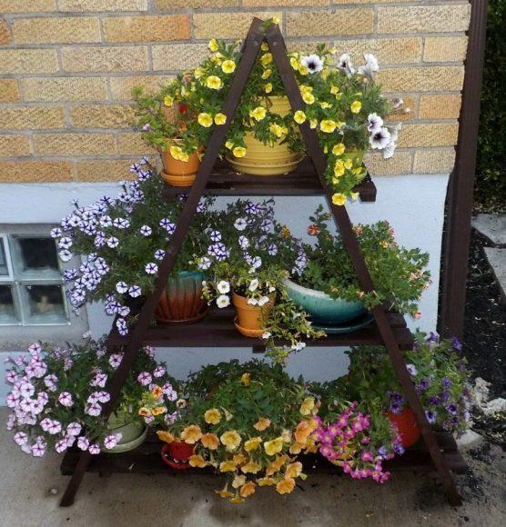 Самодельный стеллаж для растений в контейнерах