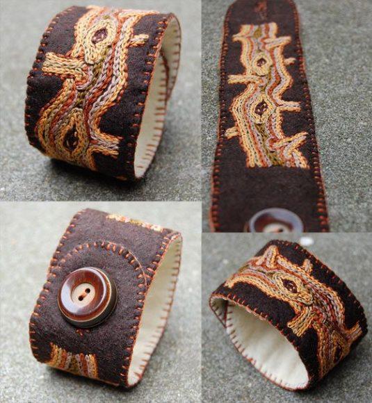Фетровый браслет