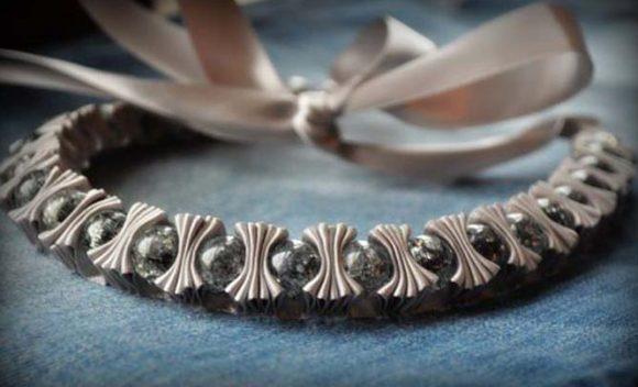 Оригинальный браслет из лент